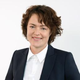Expertin und Ansprechpartnerin für Outsourcing Dr. Julia Steudle